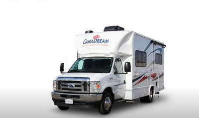 Frontansicht des Canadream Canada  SVC-Wohnmobils