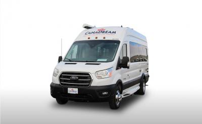 Frontansicht des Canadream Canada DVC-Wohnmobils