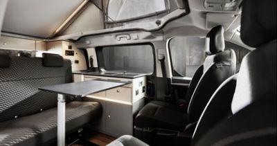 bestCamper Sitze und Tisch Urban Vehicle von Mc Rent