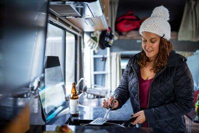 Küche im Camper Euro Star von Apollo Neuseeland