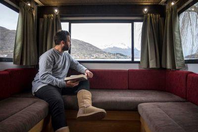 Sitzecke im Camper Euro Star von Apollo Neuseeland