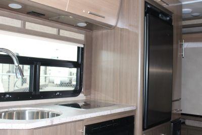 Meridian B-Class Wohnmobil in Kanada