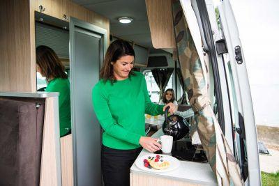 Innenraum im Campervan Venturer Plus von Britz Neuseeland