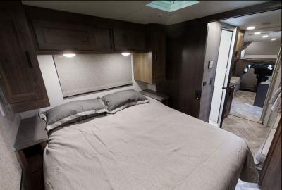 Traumhaft schlafen in einem der Canadream Canada Wohnmobile, hier MHX Wohnmobil