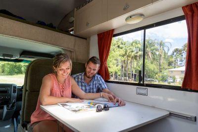 Entspannung im 6 Bett Motorhome von Cheapa Campa Australien