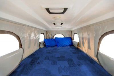 Bett im 4WD Camper Trailfinder von Cheapa Campa Australien