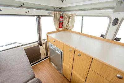 Küchenzeile im 4WD Camper Trailfinder von Cheapa Campa Australien