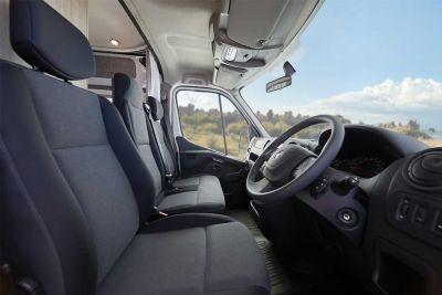 Fahrerkabine im 2+1 Bett Camper Escape von Let's Go Motorhomes Australien