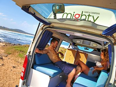 Mighty Camper Highball Australien Interior Sitzecke