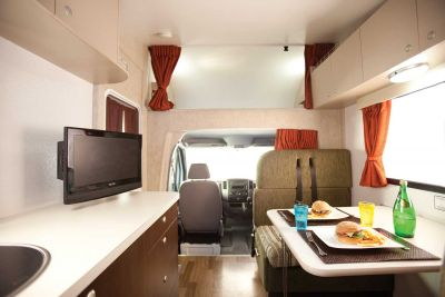 Innenraum des 6-Bett Campers Hercules von Star RV Neuseeland