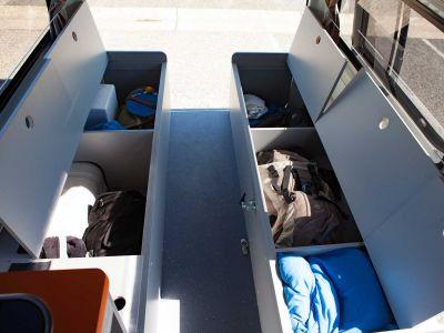 Camper Kuga Travellers Autobarn Australien Stauraum