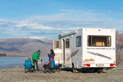 Pause mit dem Euro Camper von Apollo Neuseeland am See