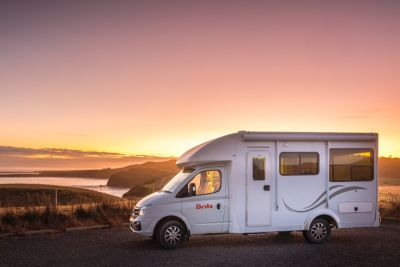 Den Sonnenuntergang geniessen mit dem Discovery Camper von Britz Neuseeland