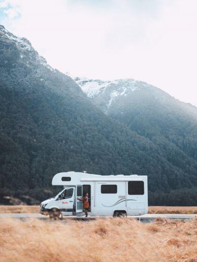 Mit dem Frontier Camper von Britz Neuseeland verlassene Gegenden erkunden