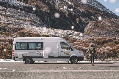 Campervan Venturer Plus von Britz Neuseeland mit Schnee