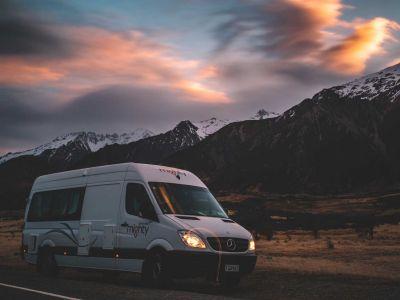 Camper Deuce Plus von Mighty Neuseeland Abendhimmel