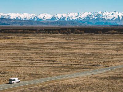 Camper Deuce Plus von Mighty Neuseeland Landschaft Weite