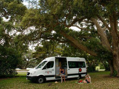 Camper Deuce Plus von Mighty Neuseeland Picknick