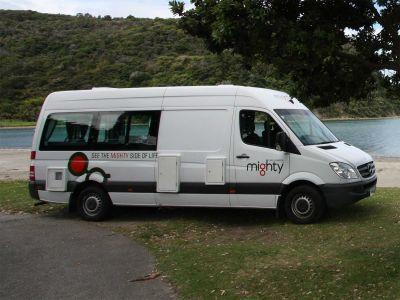 Camper Deuce Plus von Mighty Neuseeland Seitenansicht