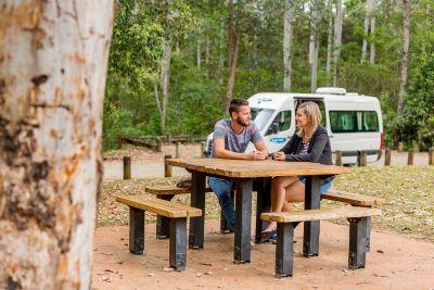 Pause mit dem 2 Bett Camper ST von Cheapa Campa Australien
