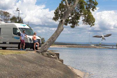 Kurzer Stopp mit dem 2 Bett Camper ST von Cheapa Campa Australien