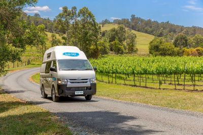 Durch die Weinberge mit dem Camper Endeavour von Cheapa Campa Australien