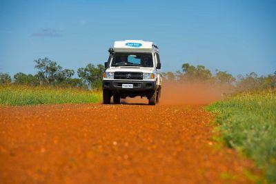 Fahrt mit dem 4WD Camper Trailfinder von Cheapa Campa Australien