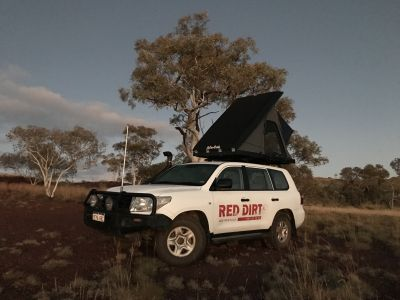 Red Dirt Camper 4WD Hard Top Dachzelt / roof top tent Australien