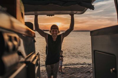 Sonnenuntergang hinter dem Kompaktcamper Condo von Jucy Australien