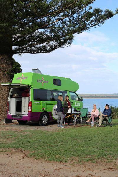 Halt mit dem Kompaktcamper Condo von Jucy Australien