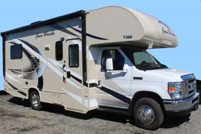 Meridian C-Medium Wohnmobil in Kanada
