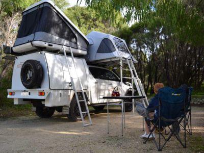 Red Sands Allrad Camper Australien bis 5 Personen mit Dachzelten