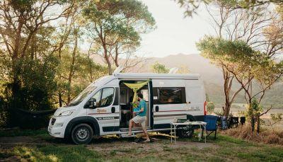 Picknick neben dem 2-Bett-Camper Aquila von Star RV Australien