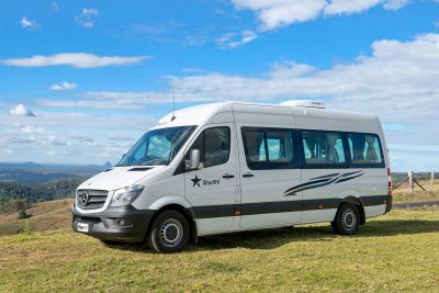 Seitenansicht des 2-Bett-Campers Aquila von Star RV Australien