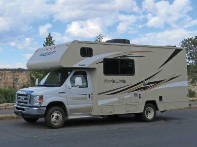 Motorhome Taurus RV mit Alkoven von Star RV USA