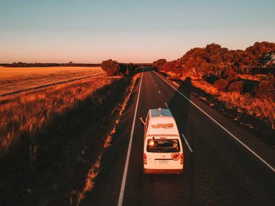 Camper Kuga Travellers Autobarn Australien Abendstimmung