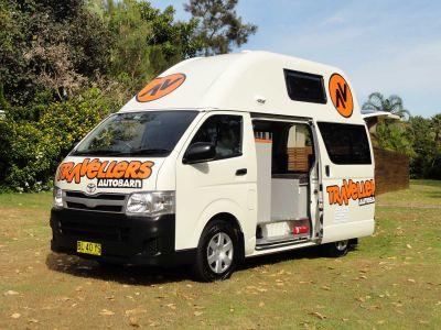 Camper Kuga Travellers Autobarn Australien Tür offen