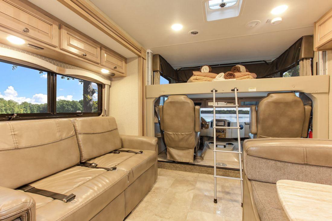 A-Luxury Motorhome mieten von Fraserway in Kanada  bestCAMPER
