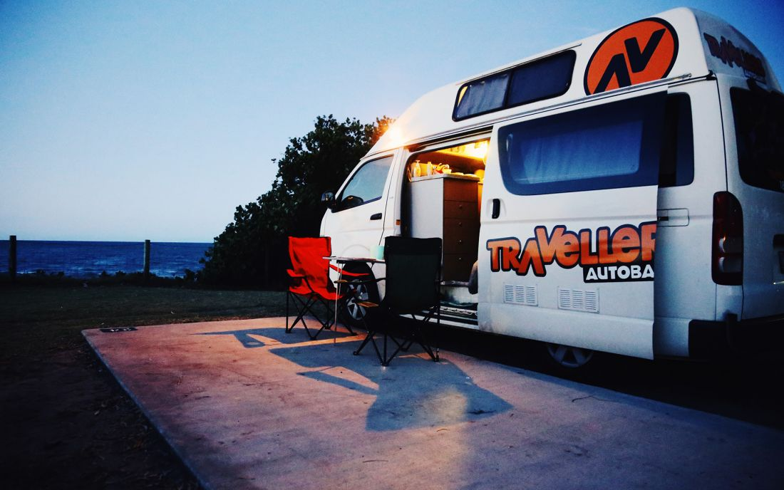 Hitop Camper Rental Of Travellers Autobarn In New Zealand